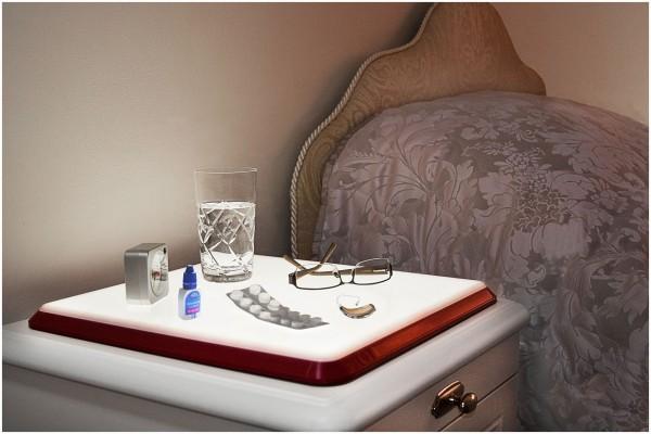 REVIVA für Menschen mit Demenz – Owen Nachtbeleuchtung Nachttisch – Tablett mit Nachtbeleuchtung für den Nachttisch