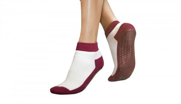 REVIVA für Menschen mit Demenz – Suprima - Anti-Rutschsocken – Socken mit Gummi-Noppen-Sohle in weiß/bordeaux-rot.